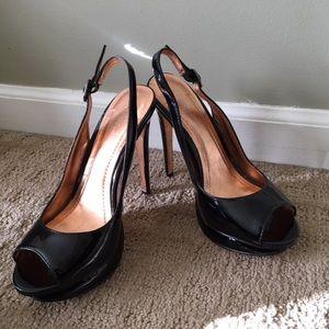 🔥BCBG Black Patent Peep Toe Platform Sandals!